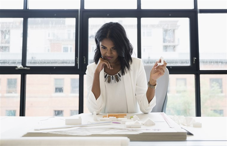 5 ways hiring a virtual assistant can boost your business